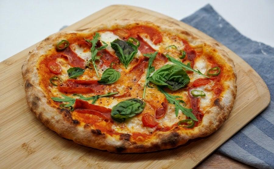 Réglage de la température pour la cuisson d'une pizza au four