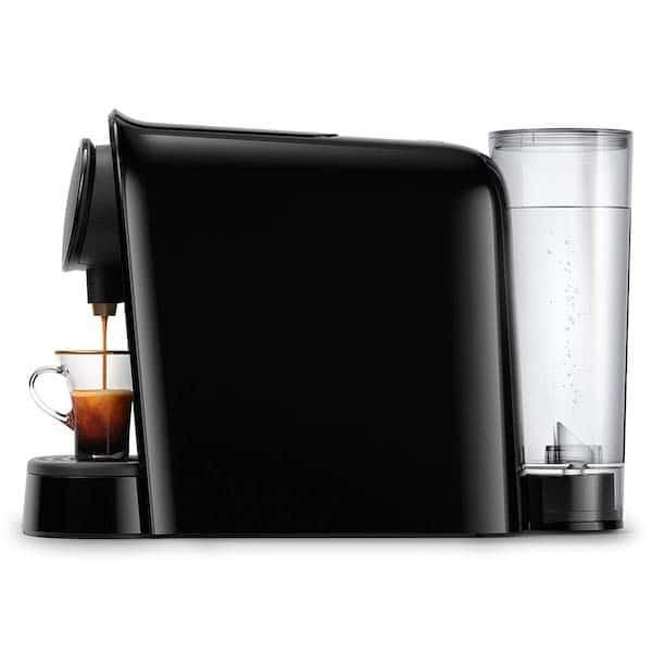 Le réservoir d'eau de la machine à café