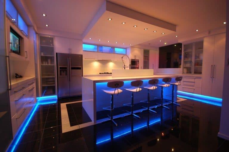 Des ampoules connectées dans une cuisine