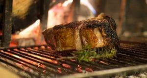 Comment allumer un barbecue bois ?
