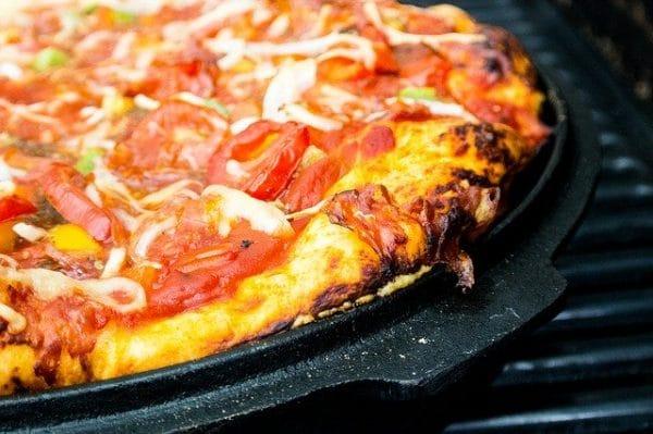 Astuces pour réussir une pizza au barbecue