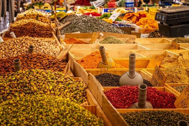 Un marché aux épices