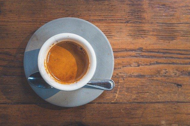 Préparation d'un café avec la Vertuo Next