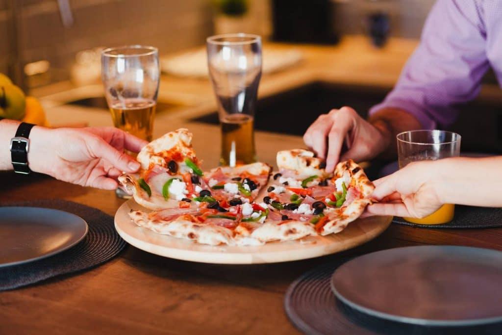 Pizzas et boissons