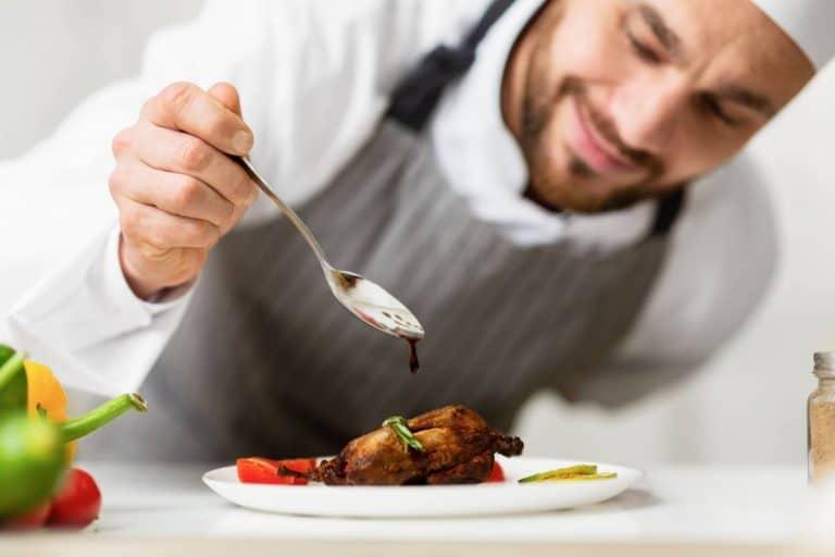 Un cuisinier professionnel