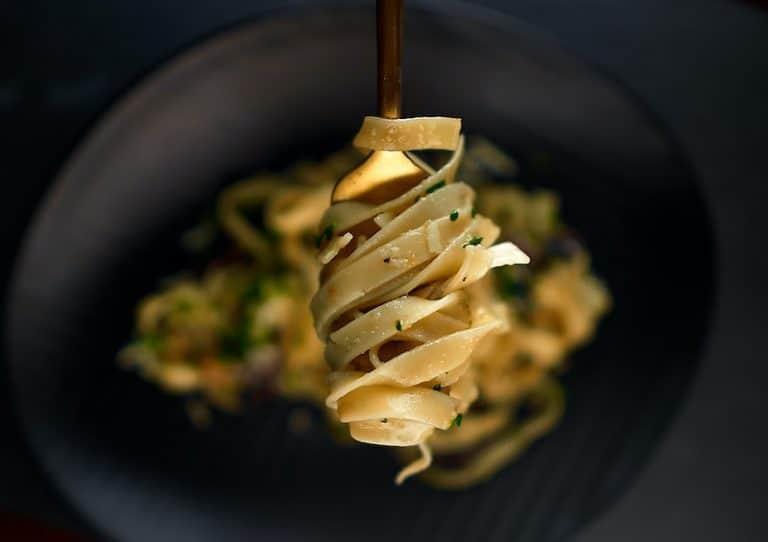 Pâtes fraîches aux asperges et sauce Teriyaki
